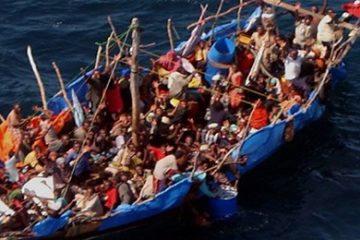 Boat_loaded_with_Ethiopian_and_Somali_immigrants_in_the_Gulf_of_Aden_yemen